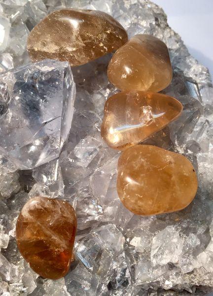 citrin ekte polert sten krystall mineral egenskap healing overflod lykke flaks kjøpmann mystica norsk butikk